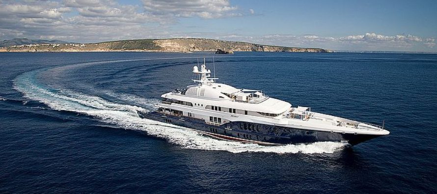 New superyacht courier service aims to make UK online shopping plain sailing for crews overseas