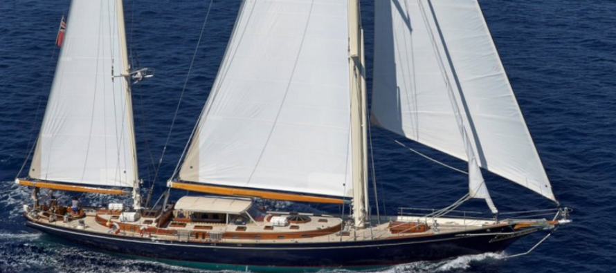 112-foot Signe sold by Northrop & Johnson