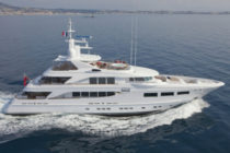 Hakvoort's SnowbirD sold in time for summer
