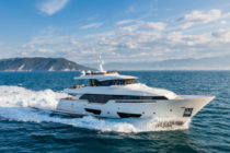 Custom Line's Navetta 28 wins Adriatic Boat of the Year