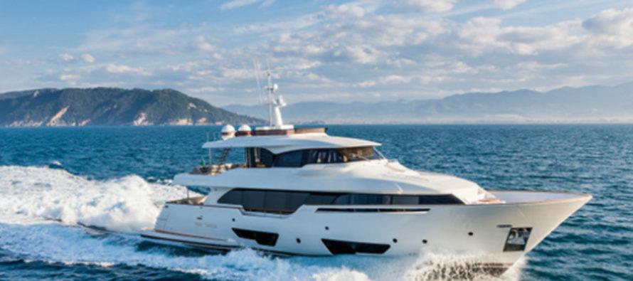 Custom Line's Navetta 28 wins Adriatic Boat of the Year