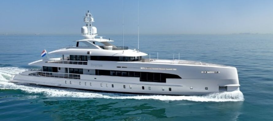 Heesen delivers Home to owner