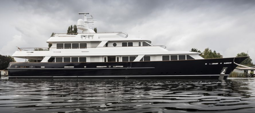 Feadship launches 47m Project 697