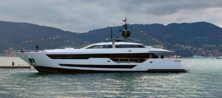 Ferretti launches Custom Line 120′