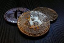 Bitcoin – backers and cynics